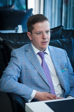 Николай Модин